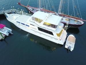 Ocean Romance Dockside Bed & Breakfast Yacht, Bed and breakfasts  Newport - big - 43