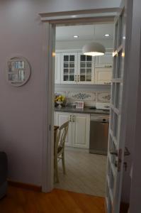 White Apartment, Appartamenti  Batumi - big - 30