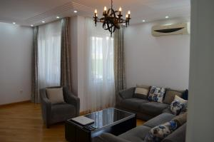 White Apartment, Appartamenti  Batumi - big - 36