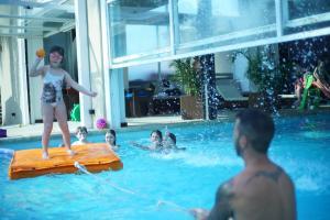 Los Pinos Resort & Spa Termal All Inclusive, Rezorty  Termas de Río Hondo - big - 35