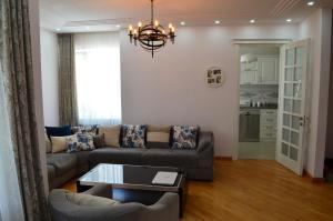 White Apartment, Appartamenti  Batumi - big - 37