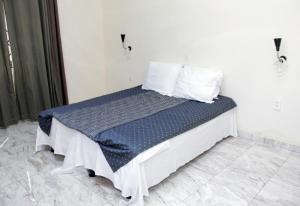 Atiwa Guesthouse, Bed and Breakfasts  Ashonman - big - 5