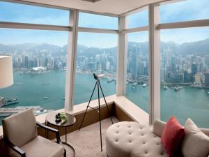 Deluxe Victoria Harbour Suite with King Bed, Club Lounge Access