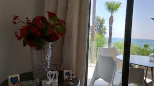 Sandy Beach Apartment 13, Apartments  Voroklini - big - 35