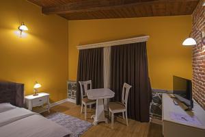 Casa Gaçe Hotel, Hotel  Korçë - big - 56