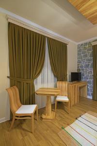 Casa Gaçe Hotel, Hotel  Korçë - big - 79