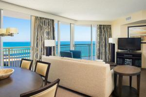 Two-Bedroom Suite Partial Ocean View (1 King Bed/1 Queen Bed)