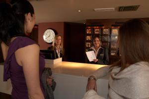Cosmopolitan Hotel, Hotel  Leeds - big - 38