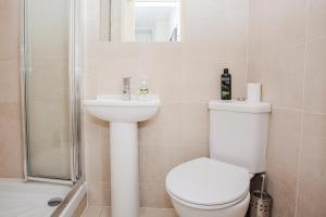 Delightful 2BD Apartment In The Heart Of Pimlico, Apartmanok  London - big - 9