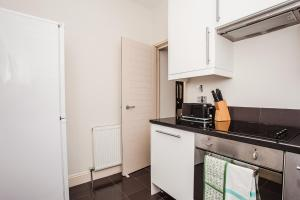 Delightful 2BD Apartment In The Heart Of Pimlico, Apartmány  Londýn - big - 15