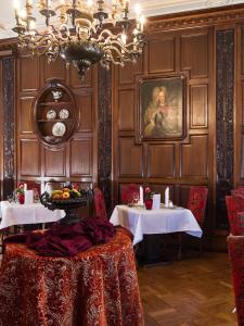 Gästehaus Schloss Saareck, Отели  Метлах - big - 78