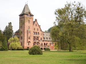Gästehaus Schloss Saareck, Отели  Метлах - big - 68