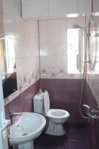 Rudi Guest House, Penziony  Batumi - big - 18