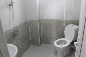 Rudi Guest House, Penziony  Batumi - big - 27