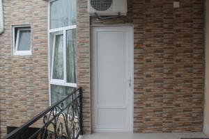 Rudi Guest House, Penziony  Batumi - big - 48