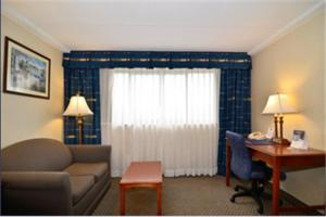 Best Western PLUS Tacoma Dome Hotel, Hotel  Tacoma - big - 11