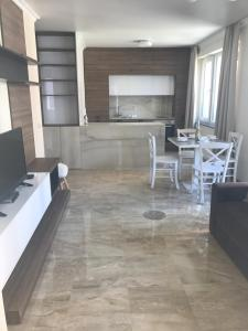 Botabara Del Mar Apartments, Apartmány  Pomorie - big - 64