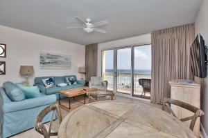 One-Bedroom Apartment with Sea View 407W
