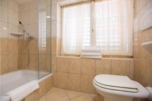 Apartments Staničić, Apartments  Brela - big - 112