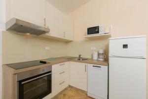 Apartments Staničić, Apartments  Brela - big - 106