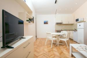 Apartments Staničić, Apartments  Brela - big - 105