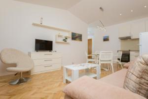 Apartments Staničić, Apartmány  Brela - big - 104
