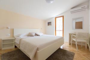 Apartments Staničić, Apartmány  Brela - big - 100