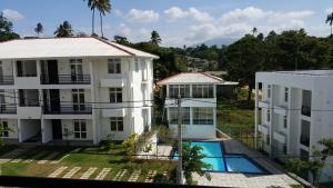 Scenic Range Apartment