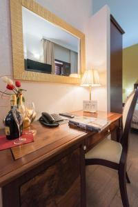 Hotel Flora, Отели  Ното - big - 63