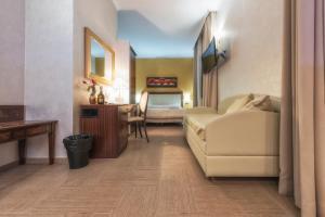 Hotel Flora, Отели  Ното - big - 61