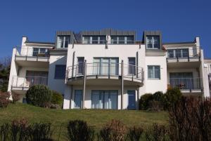 Achterwasserblick-Residenz-Bellevue, Apartmány  Zinnowitz - big - 1