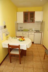 Apartment Lambasa, Apartmanok  Vodice - big - 4