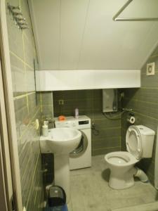 Studio apartment, Apartments  Tbilisi City - big - 11
