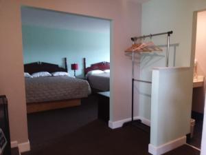 Scenic River Inn Motel, Motelek  Wartburg - big - 22