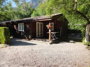Camping La Cascade, Шале  Le Bourg-d'Oisans - big - 8