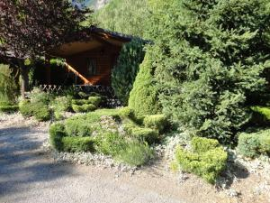 Camping La Cascade, Шале  Le Bourg-d'Oisans - big - 11