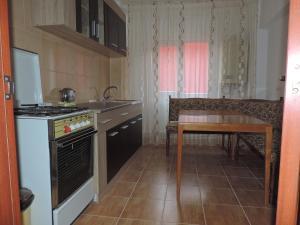 Casa BUCUR, Апартаменты  Тыргу-Окна - big - 11