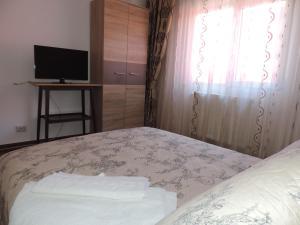 Casa BUCUR, Apartmány  Tîrgu Ocna - big - 7