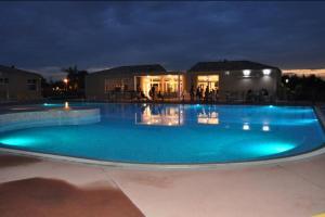 Soleilinvest, Ferienhäuser  Aubignan - big - 33
