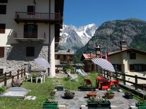 Hotel Ottoz Meublé