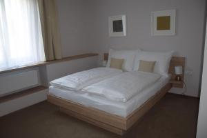 Hotel Rokiten, Szállodák  Moravský Krumlov - big - 2