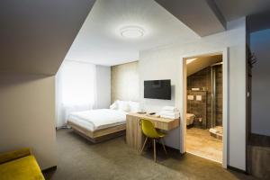 Hotel Rokiten, Szállodák  Moravský Krumlov - big - 8