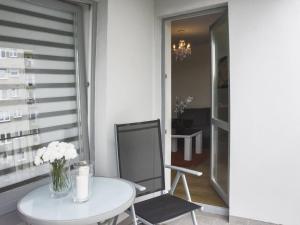 VacationClub - Bohaterów Września Apartment 11, Apartmanok  Świnoujście - big - 12