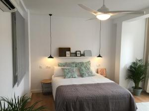 Ahro Suites, Апартаменты  Малага - big - 136