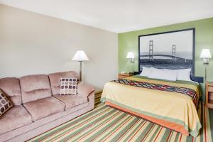 Super 8 by Wyndham Grayling, Hotels  Grayling - big - 9