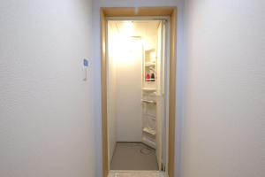 Shibamata 2-chome Share House Room 203, Apartmány  Tokio - big - 36