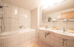 Hotel Kristall, Hotely  Sankt Anton am Arlberg - big - 53