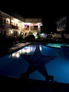 Stardust Beach Hotel, Hotel  Lian - big - 12