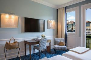 Junior Suite with River  View (3 Adults)