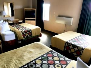 Superior Double Room with Three Double Beds - Non Smoking